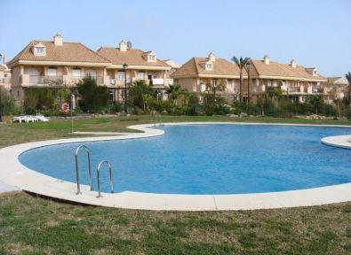 immobilier espagne maison villa entre marbella et gibraltar la alcaidesa achat vente. Black Bedroom Furniture Sets. Home Design Ideas